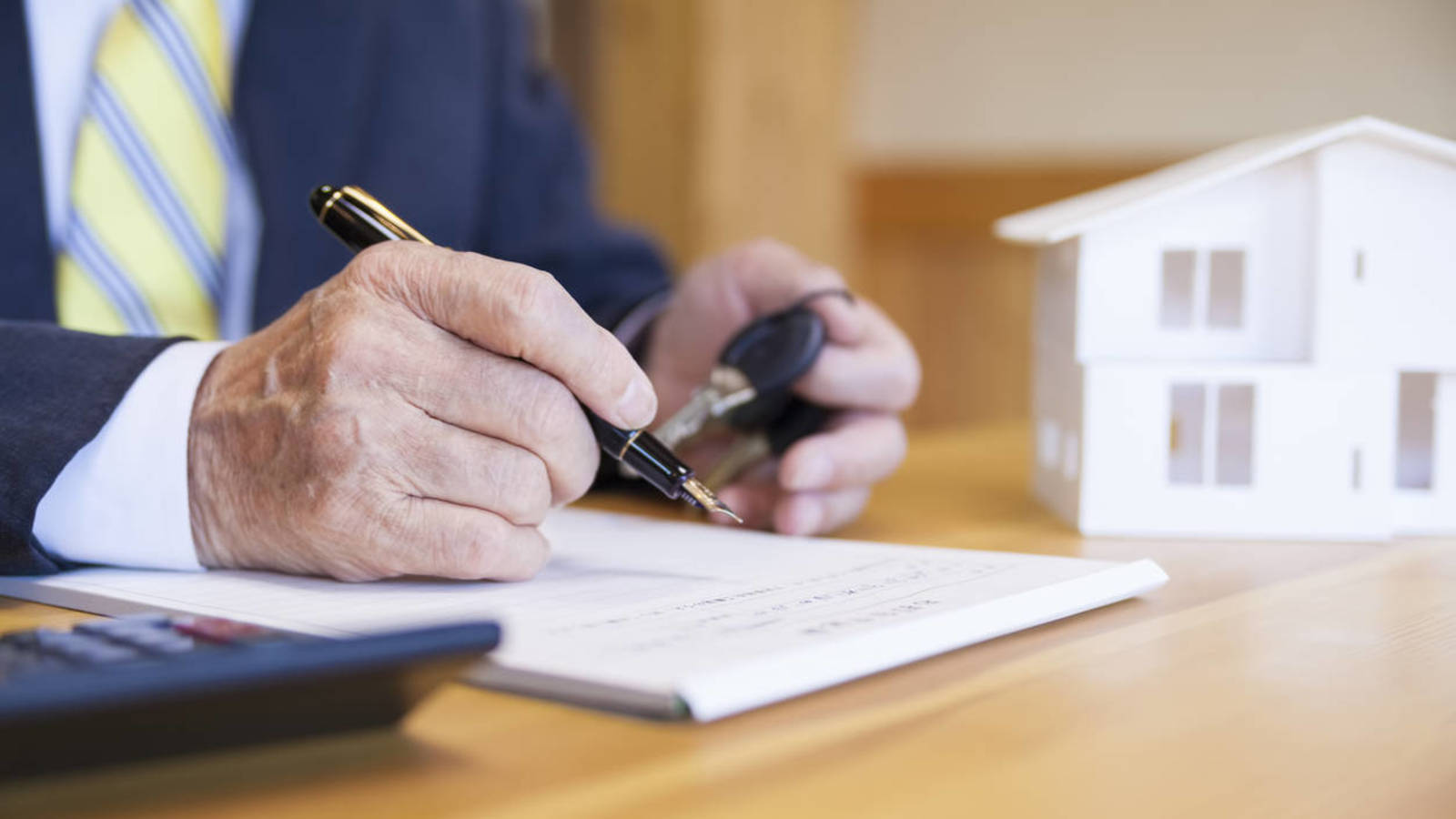 Las hipotecas se frenaron en diciembre por AJD